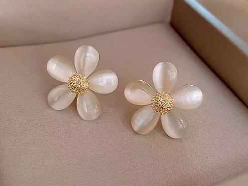 Arya Floral Stud Earrings