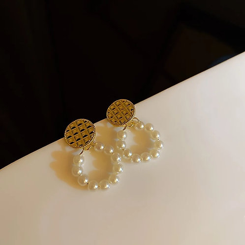 Freya Mini Pearl Earrings