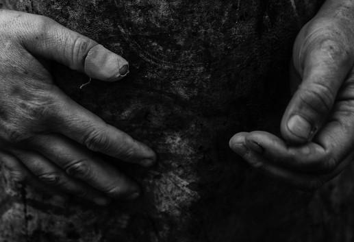 Hands SvartVitt.jpg