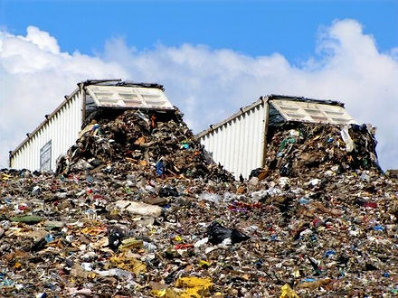 212318-600x450-landfills_edited.jpg