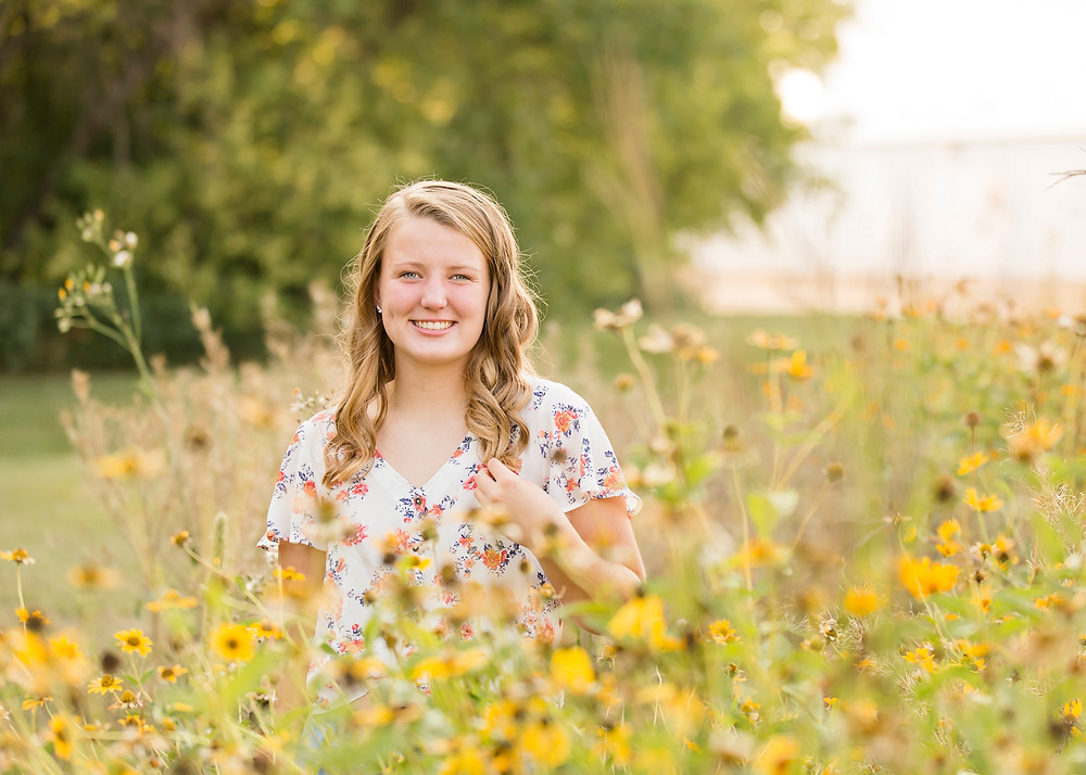 Fargo Outdoor Senior Pictures with print release