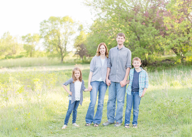 BORGESON FAMILY . SPRING