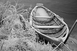 frozen-boat-1359754.jpg