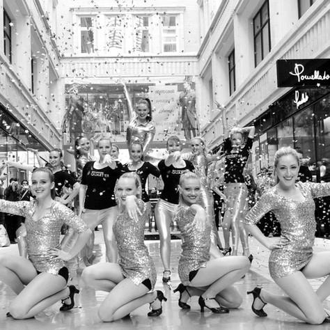 The Milleniumdancers / The Darling Delilahs - klick here