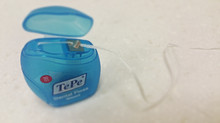 How to use dental floss correctly