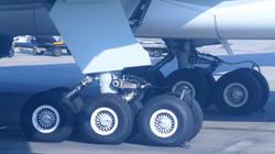 B777 landing gears