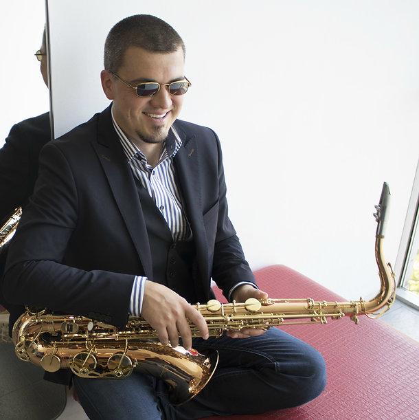 Smooth Jazz Saxophon.jpg