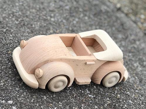 Macchina in legno modello Maggiolino