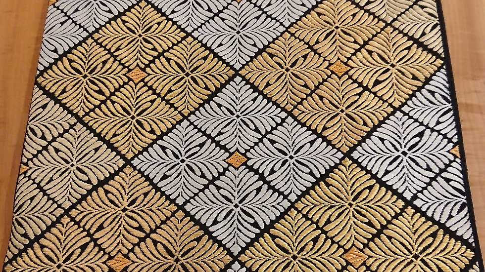 服部織物 黒地 菱紋 袋帯