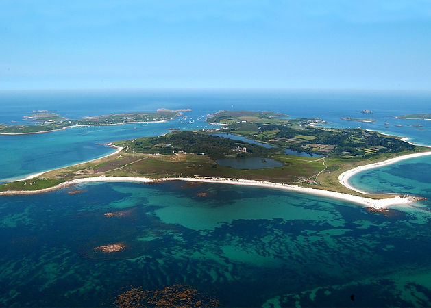 The islands of Tresco and Bryher in the Isles of Scilly (from Shutterstock)