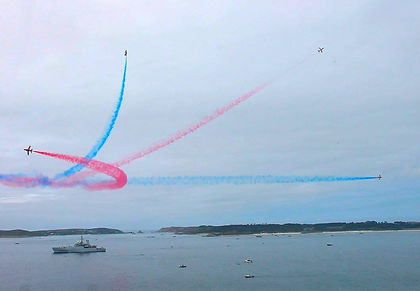 Red Arrows perform over the Isles of Scilly