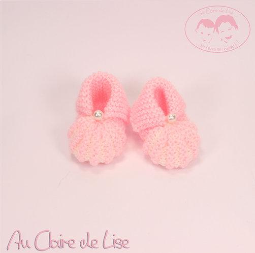Petits chaussons en laine tricoté main pour bébé 0/3 mois