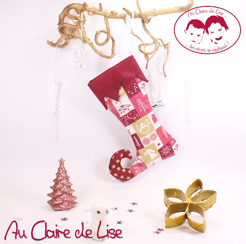 Botte de lutin de Noël à suspendre dans les tons bordeau et or.