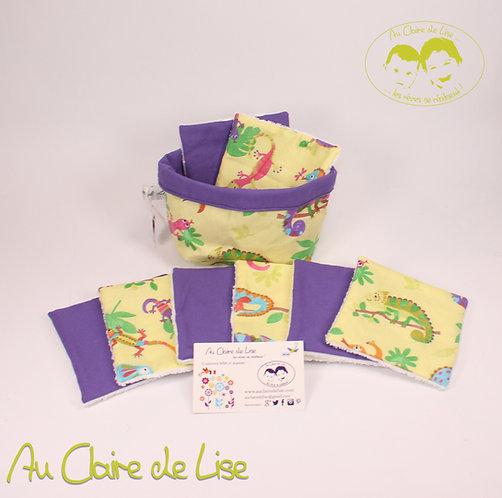 Panière avec ses 8 lingettes avec ses caméléons sur fond violet