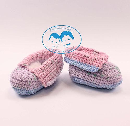 Petits chaussons en laine tricoté main pour bébé 0/2 mois