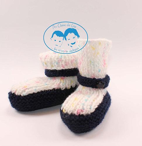 Petites chaussures en laine tricotées main pour bébé 0/3 mois