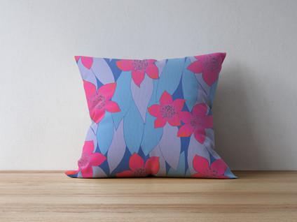 pillow-on-thewood-6.jpg