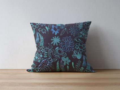 pillow-on-thewood-1.jpg