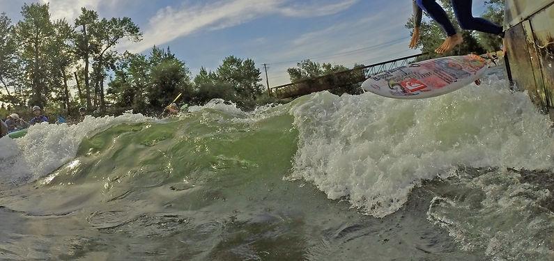 river surfing, boise river surfing, boise waveshaper,waveshaper, boise river park, river sufing