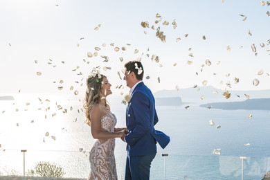 GET ASTONISHED BY THIS SUPREME, EXTRA STYLISH DESTINATION WEDDING IN SANTORINI