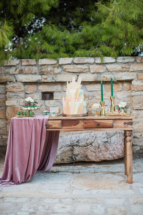 getting-married-in-greece-soo-events-LesAnagnou_editorial_lightpink_0220.jpg