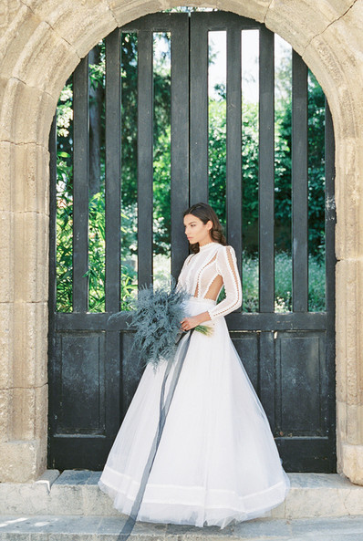 A MEDIEVAL WEDDING EDITORIAL IN THE OLD TOWN OF RHODES ISLAND