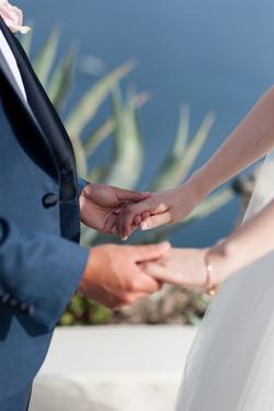 Alluring-wedding-in-santorini-26-min
