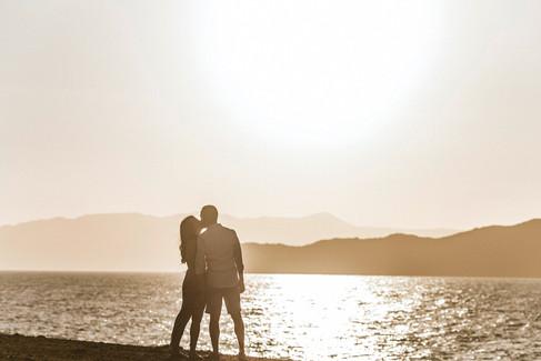 INTIMATE ANNIVERSARY SESSION ON CRETE ISLAND