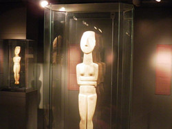 getting-married-in-greece-culture-cycladic-art-museum-5