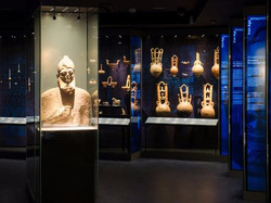 getting-married-in-greece-culture-cycladic-art-museum-6