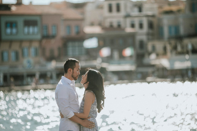 INTIMATE ANNIVERSARY SESSION ON CRETE ISLAND