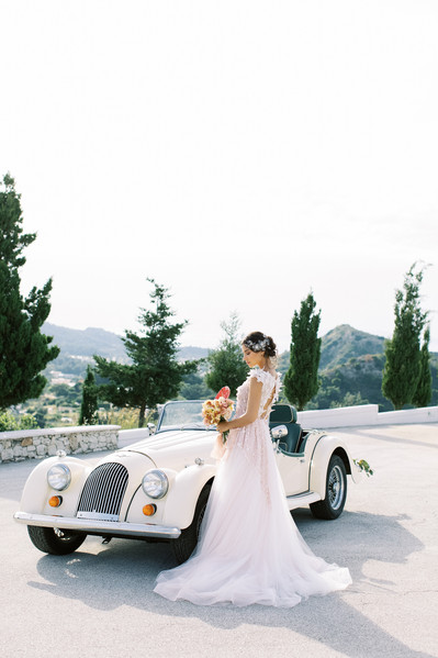 ARE YOU READY TO EXPERIENCE THIS ELEGANT WEDDING INSPIRATION?