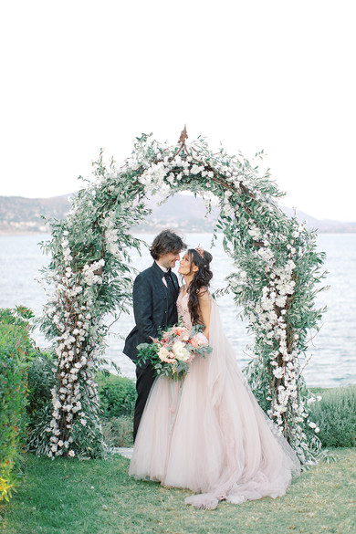 GET AMAZED BY THIS FAIRYTALE, LUXURIOUS WEDDING IN ATHENS RIVIERA