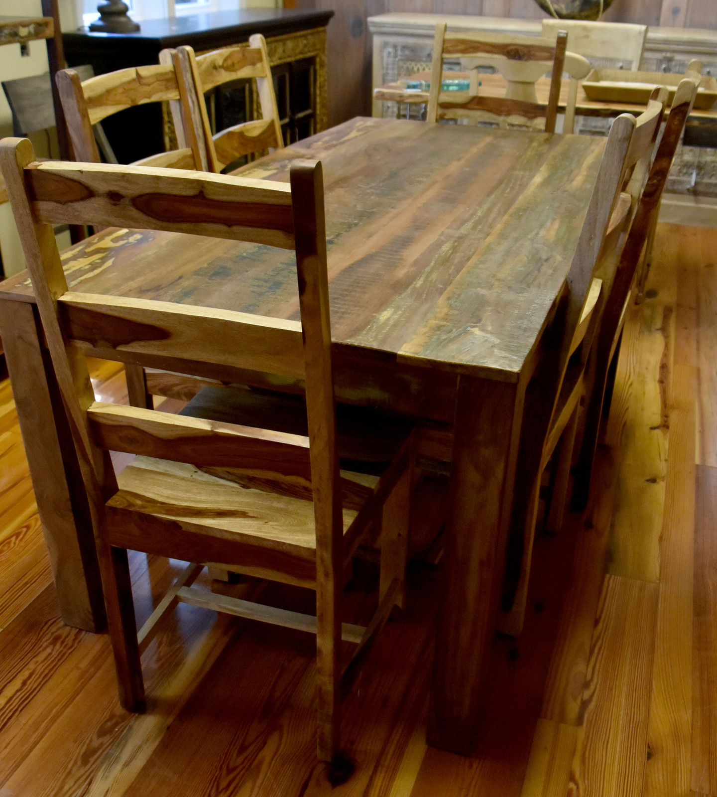 ... Multicolor DIning Table ...
