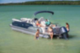 avalon-ambassador-rear-lounge-27-pontoon-boat-image-6-2014-hi-res1.jpg