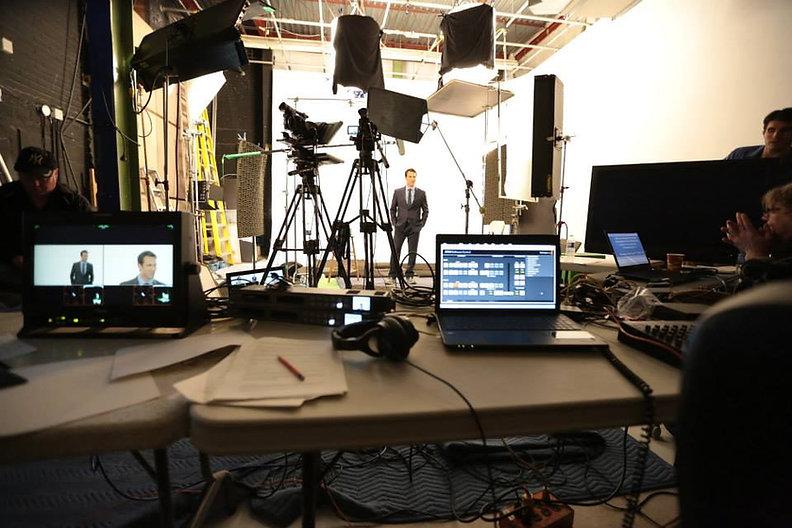 Nous mettons à votre disposition notre studio de tournage au centre-ville de Montréal
