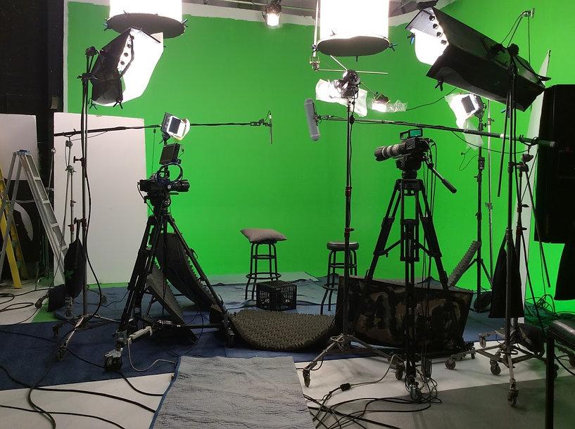 Studio de prise de vue avec uncycloramaen coin Green Screen