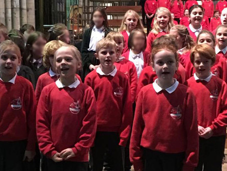 Year 4 sing at Exeter Cathedral