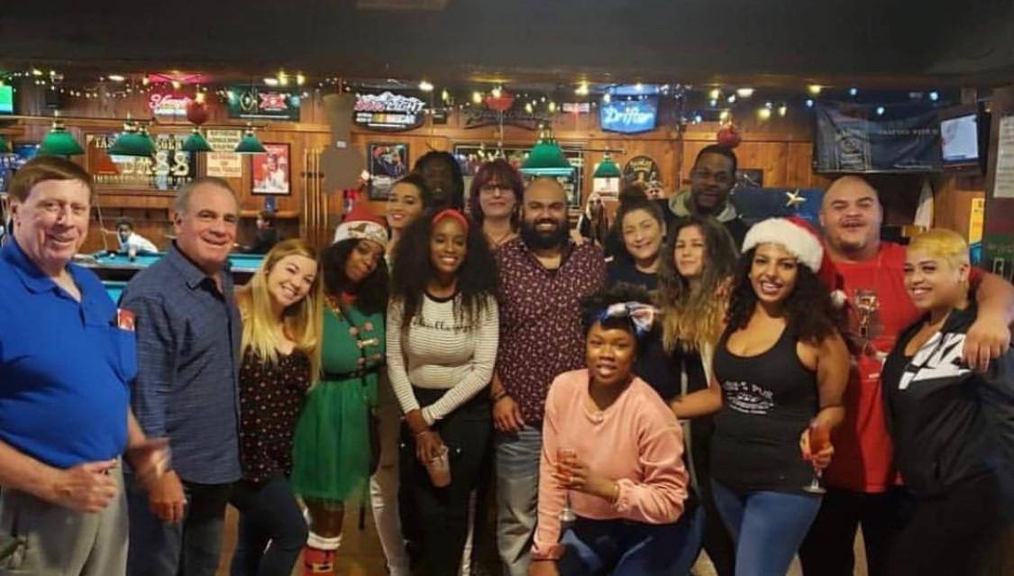 Billys Pub Too Family!