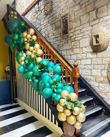 You can't beat an organic balloon garlan