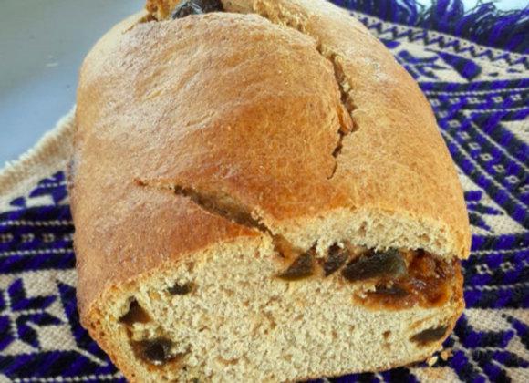 Pan de masa madre relleno de zarzamora o higos