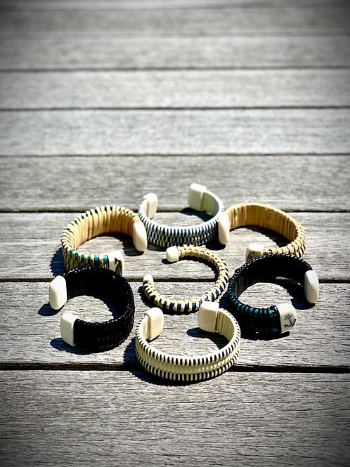 The Friendship Bracelet Weaving Experience