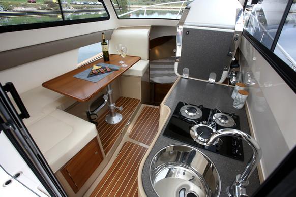 GartiSails_Leidi800_interior.JPG