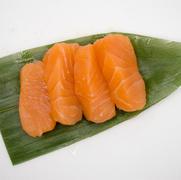 3. Sashimi salmón