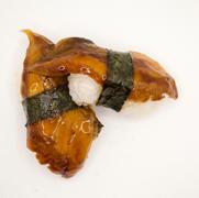 18. Anguilas y salsa unagi