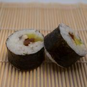 6. Boquerones, daikon y tomate seco