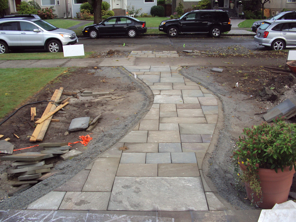 square-cut-bluestone-walkway