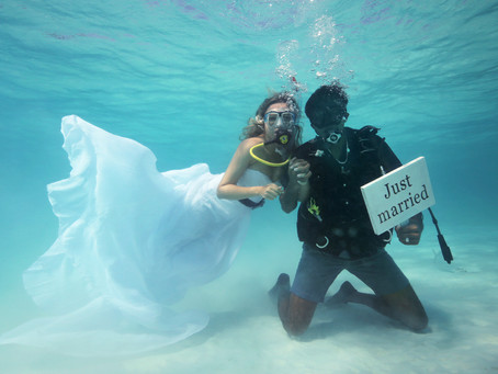 FAST 5: Underwater vows to toes in the sand (five ways to get married in the Maldives)