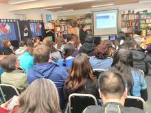 Una de las tantas charlas gratuitas a los equipos docentes de los colegio de nuestro país