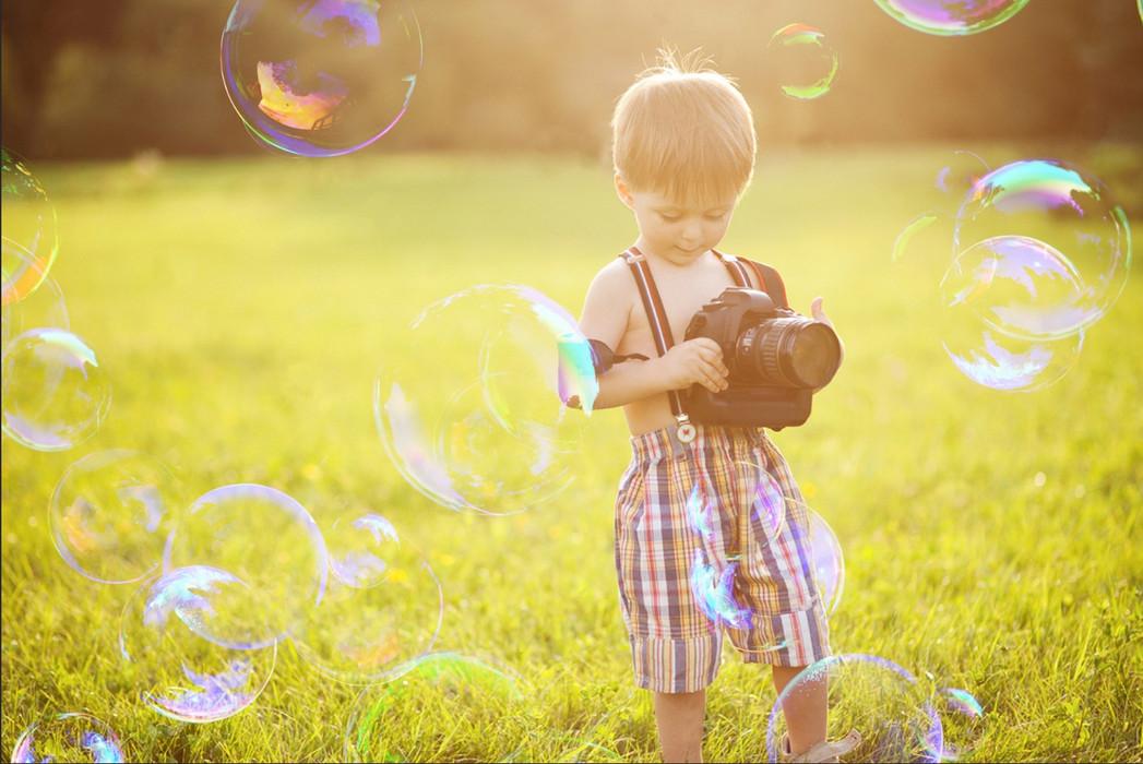 Realistic Soap Bubbles on Black Background | Action for Photoshop CC